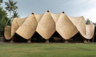 """最小结构最大空间,竹装置""""弧"""" -- IBUKU"""